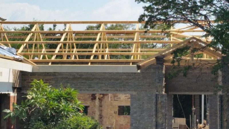 Roof Truss Erection