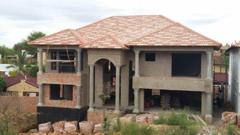 Laying of Monarch roof tiles